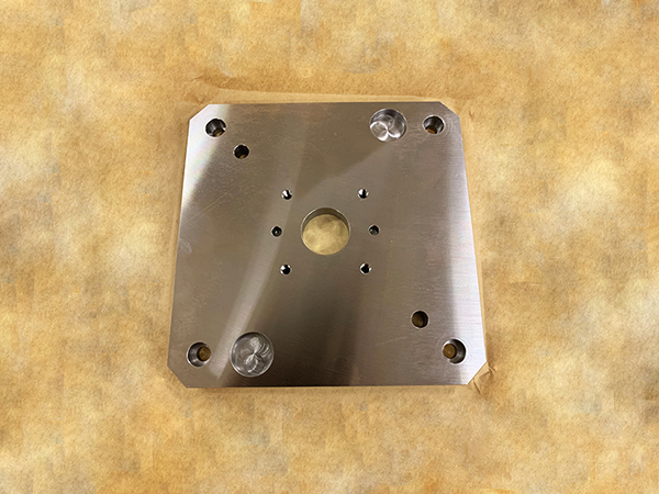 鋼の切削加工品